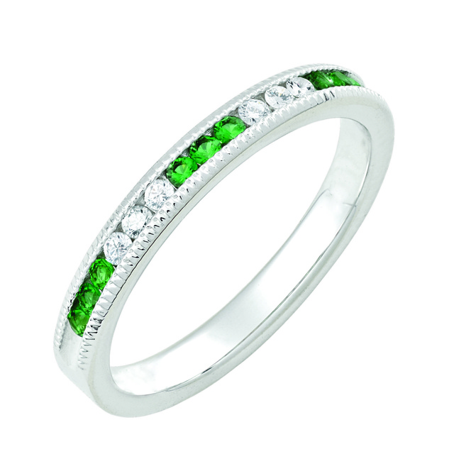6 Diamond And 9 Imitation Emerald Machine Set Band With Milgrain