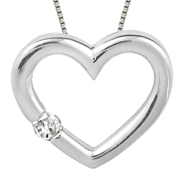 Heart Shaped Pendant With 1 Diamond