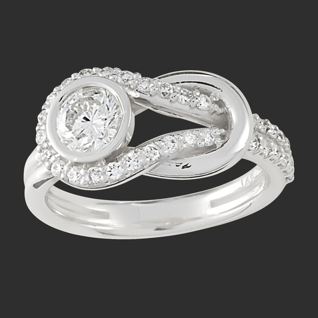 Love Knot Diamond Ring with center